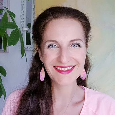 Speaker - Nancy Holten