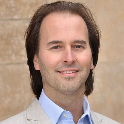Speaker - Stefan Bratzel